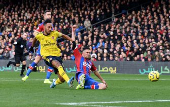 LONDON, ENGLAND - JANUARY 11: Pierre-Emerick Aubameyang scores a goal for Arsenal during the Premier League match between Crystal Palace and Arsenal FC at Selhurst Park on January 11, 2020 in London, United Kingdom. (Photo by David Price/Arsenal FC via Getty Images)