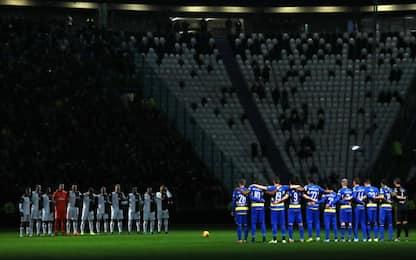 Stadium al buio: che 1' di silenzio per Anastasi