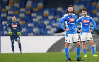 NAPLES, ITALY - JANUARY 18: Fabian Ruiz of SSC Napoli stands disappointed during the Serie A match between SSC Napoli and  ACF Fiorentina at Stadio San Paolo on January 18, 2020 in Naples, Italy. (Photo by Francesco Pecoraro/Getty Images)