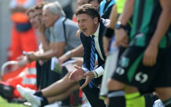 SASSUOLO, ITALY - SEPTEMBER 22:  Head coach of FC Inter Milan Walter Mazzarri reacts during the Serie A match between US Sassuolo Calcio and FC Internazionale Milano at Mapei Stadium on September 22, 2013 in Reggio Emilia, Italy.  (Photo by Claudio Villa/Getty Images)