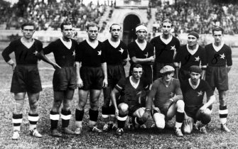 10 SETTEMBRE 1933 MILANO - LA SQUADRA DEL CASALE ALL' ARENA, CALCIO, CALCIATORI, SPORT, ITALIA, ANNI 30, B/N, S 715982/1, 03-00002583