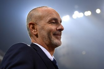 MILAN, ITALY - NOVEMBER 20:  FC Internazionale head coach Stefano Pioli looks on during the Serie A match between AC Milan and FC Internazionale at Stadio Giuseppe Meazza on November 20, 2016 in Milan, Italy.  (Photo by Valerio Pennicino/Getty Images)