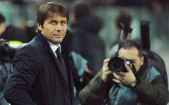 TURIN, ITALY - DECEMBER 08:  Juventus FC head coach Antonio Conte looks on prior to the Tim Cup match between Juventus FC and Bologna FC at Juventus Arena on December 8, 2011 in Turin, Italy.  (Photo by Valerio Pennicino/Getty Images)