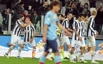Esultanza di Emanuele Giaccherini con i compagni della Juventus dopo il gol allo Juventus Stadium, Torino,8 Dicembre 2011. ANSA/ TONINO DI MARCO