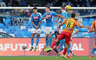 NAPLES, ITALY - FEBRUARY 09: Marco Mancosu of US Lecce scores the 1-3 goal during the Serie A match between SSC Napoli and  US Lecce at Stadio San Paolo on February 09, 2020 in Naples, Italy. (Photo by Francesco Pecoraro/Getty Images)