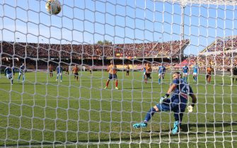 Lecce's Marco Mancosu scores on penalty the goal during during the Italian Serie A soccer match US Lecce vs SSC Napoli at the Via del Mare stadium in Lecce, Italy, 22 September 2019.