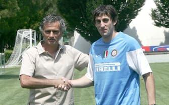 20090711 - APPIANO GENTILE (CO) - SPO - PRESENTAZIONE MOTTA E MILITO. L'allenatore dell'Inter  con Diego Milito neo acqusto della società neroazzurra.MATTEO BAZZI / ANSA