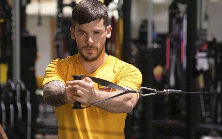 Carles Perez impegnato in un allenamento in palestra a Trigoria (Lapresse)