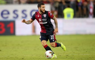 CAGLIARI, ITALY - SEPTEMBER 29: Nahitan Nandez of Cagliari in action   during the Serie A match between Cagliari Calcio and Hellas Verona at Sardegna Arena on September 29, 2019 in Cagliari, Italy.  (Photo by Enrico Locci/Getty Images)