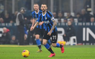 MILAN, ITALY - FEBRUARY 09:  Marcelo Brozovic of FC Internazionale in action during the Serie A match between FC Internazionale and  AC Milan at Stadio Giuseppe Meazza on February 9, 2020 in Milan, Italy.  (Photo by Alessandro Sabattini/Getty Images)
