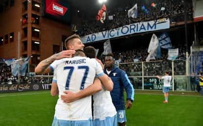 La Lazio vince ancora, 3-2 al Genoa: -1 dalla Juve