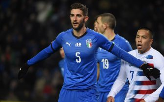 GENK, BELGIUM - NOVEMBER 20:  Roberto Gagliardini of Italy looks on during Italy v USA International Friendly at Luminus Arena in Genk on November 20, 2018 in Genk, Belgium.  (Photo by Pier Marco Tacca/Getty Images)