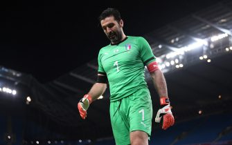 MANCHESTER, ENGLAND - MARCH 23:  Gianluigi Buffon of Italy looks on during the International Friendly match between Italy and Argentina at Etihad Stadium on March 23, 2018 in Manchester, England.  (Photo by Laurence Griffiths/Getty Images)