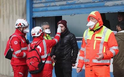 Coronavirus, tifosi controllati a Lecce. FOTO