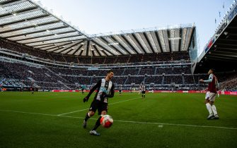 NEWCASTLE UPON TYNE, ENGLAND - FEBRUARY 29: Aa general view of match action at St. James Park, home stadium of Newcastle United during the Premier League match between Newcastle United and Burnley FC at St. James Park on February 29, 2020 in Newcastle upon Tyne, United Kingdom. (Photo by Robbie Jay Barratt - AMA/Getty Images)
