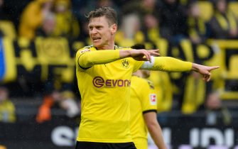 DORTMUND, GERMANY - FEBRUARY 29: (BILD ZEITUNG OUT) Lukasz Piszczek of Borussia Dortmund gestures during the Bundesliga match between Borussia Dortmund and Sport-Club Freiburg at Signal Iduna Park on February 29, 2020 in Dortmund, Germany. (Photo by Alex Gottschalk/DeFodi Images via Getty Images)