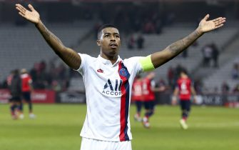 LILLE, FRANCE - JANUARY 26: Presnel Kimpembe of PSG salutes the supporters following the Ligue 1 match between Lille OSC (LOSC) and Paris Saint-Germain (PSG) at Stade Pierre Mauroy on January 26, 2020 in Lille, France. (Photo by Jean Catuffe/Getty Images)