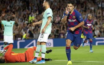 BARCELONA, SPAIN - OCTOBER 02: Luis suarez of FC Barcelona celebrates this team's second goal during the UEFA Champions League group F match between FC Barcelona and Inter at Camp Nou on October 2, 2019 in Barcelona, Spain. (Photo by TF-Images/Getty Images)