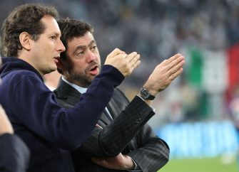TURIN, ITALY - APRIL 22: John Elkann and Andrea Agnelli of Juventus during the serie A match between Juventus and SSC Napoli on April 22, 2018 in Turin, Italy.  (Photo by Gabriele Maltinti/Getty Images) *** Local Caption *** Jhon Elkan; Andrea Agnelli