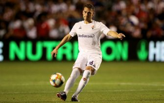 BRIDGEVIEW, ILLINOIS - JULY 16:  Sebastian Cristoforo #18 of ACF Fiorentina passes the ball in the second half against Chivas de Guadalajara during the 2019 International Champions Cup at SeatGeek Stadium on July 16, 2019 in Bridgeview, Illinois. (Photo by Jonathan Daniel/International Champions Cup/Getty Images)