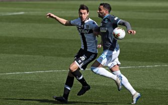Parma's Matteo Darmian (L) and Spal's Mohamed Fares  (R) in action during the Italian Serie A soccer match Parma Calcio vs S.P.A.L at Ennio Tardini stadium in Parma, Italy, 08 March 2020. ANSA / ELISABETTA BARACCHI