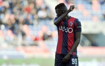 BOLOGNA, ITALY - FEBRUARY 22: Musa Barrow of Bologna FC looks on during the Serie A match between Bologna FC and  Udinese Calcio at Stadio Renato Dall'Ara on February 22, 2020 in Bologna, Italy. (Photo by Mario Carlini / Iguana Press/Getty Images)