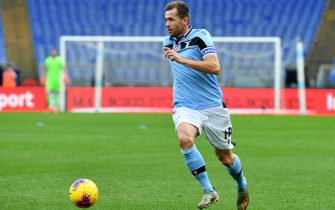 ROME, ITALY - FEBRUARY 02: Senad Lulic of SS Lazio in action during the Serie A match between SS Lazio and  SPAL at Stadio Olimpico on February 02, 2020 in Rome, Italy. (Photo by Marco Rosi/Getty Images)