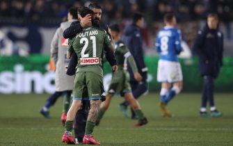 BRESCIA, ITALY - FEBRUARY 21: Gennaro Gattuso Head coach of Napoli embraces Matteo Politano of Napoli after the final whistle of the Serie A match between Brescia Calcio and  SSC Napoli at Stadio Mario Rigamonti on February 21, 2020 in Brescia, Italy. (Photo by Jonathan Moscrop/Getty Images)