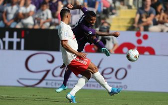 FLORENCE, ITALY - SEPTEMBER 14: Henrique Dalbert of ACF Fiorentina in action during the Serie A match between ACF Fiorentina and Juventus at Stadio Artemio Franchi on September 14, 2019 in Florence, Italy.  (Photo by Gabriele Maltinti/Getty Images)