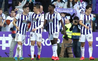 VALLADOLID, SPAIN - FEBRUARY 23: Sergi Guardiola of Valladolid celebrates with teammates after scoring his team's second goal during the La Liga match between Real Valladolid CF and RCD Espanyol at Jose Zorrilla on February 23, 2020 in Valladolid, Spain. (Photo by Angel Martinez/Getty Images)