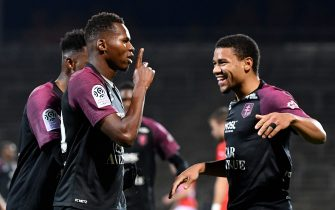 Metz's Senegalese forward Habib Diallo (C)  celebrates after scoring a goal during the French L1 football match between Nimes (NO) and Metz (FCM) on November 30, 2019, at the Costiere Stadium in Nimes, southern France. (Photo by GERARD JULIEN / AFP) (Photo by GERARD JULIEN/AFP via Getty Images)