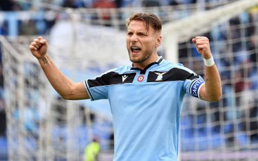 ROME, ITALY - JANUARY 18:  Ciro Immobile of SS Lazio celebrates after scoring the second goal from a penalty during the Serie A match between SS Lazio and  UC Sampdoria at Stadio Olimpico on January 18, 2020 in Rome, Italy.  (Photo by Marco Rosi/Getty Images)