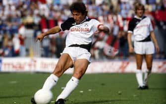 ©delmati/lapresse archivio storico sport calcio anno 1983/84 Zico nella foto: il calciatore dell' Udinese Zico batte un calcio di punizione