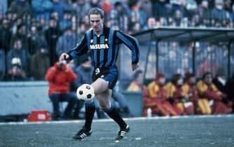 ©LaPressearchivio storicoItalia anni '80sportcalcioKarl-Heinz Rummeniggenella foto: l'attaccante dell'inter Karl-Heinz Rummenigge in azione