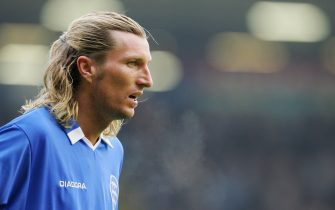 BIRMINGHAM, ENGLAND - OCTOBER 16:  Robbie Savage of Birmingham City in action during the FA Barclays Premiership match between Birmingham City and Manchester United at St Andrews on October 16, 2004 in Birmingham, England.  (Photo by Laurence Griffiths/Getty Images)