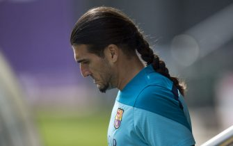 FC Barcelona's goalkeeper Jose Manuel Pinto arrives for a training session held in Sant Joan Despi on the outskirts of Barcelona, north-eastern Spain, 15 April 2014. The FC Barcelona will face Real Madrid in the King's Cup final match at Mestalla stadium in Valencia on 16 April. EFE/Alejandro García