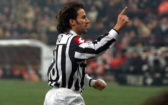 ***** Collection Juventus *****©FALZONE/LAPRESSE09-12-2001 MILANOSPORT CALCIOMILAN JUVENTUSNELLA FOTO :ESULTANZA DI DEL PIERO DOPO IL GOL