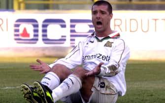 03 Feb 2002:  Filippo Maniero of Venezia in action during the Serie A match between Bologna and Venezia , played at the Renato dall''Ara Stadium, Bologna.   DIGITAL IMAGE Mandatory Credit: Grazia Neri/ALLSPORT