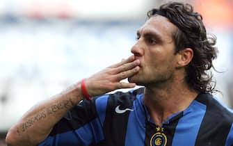 Christian Vieri con la maglia dell'Inter, in una immagine del 18 maggio 2005.ANSA/DANIEL DAL ZENNARO