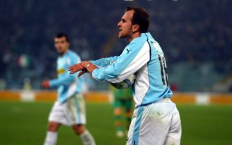 ©Marco Rosi \LaPresse11 - 12 - 2004 Romasport - calciocampionato serie A Tim 2004 - 2005  Lazio - Leccele proteste di Tommaso Rocchi