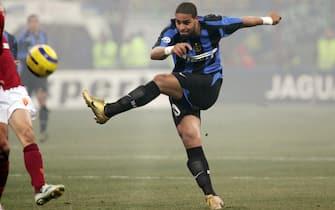 ©Marco Lussoso / LaPresse12-02-2005 MilanoSport CalcioInter Roma campionato serie A 2004 2005Nella foto Adriano