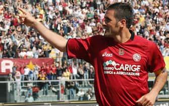 foto franco silvilivorno-palermo22 aprile 2006l' esultanza di lucarelli dopo il secondo gol