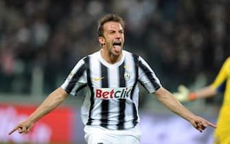 La tipica esultanza di Alessandro Del Piero dopo il goal del definitivo 2-0 all'Inter allo Juventus stadium, il 25 marzo 2012. ANSA /ALESSANDRO DI MARCO