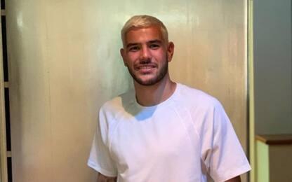 Hernandez si rifà il look: capelli biondi. FOTO
