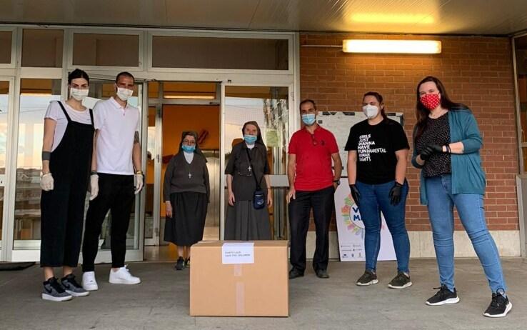 19mila le mascherine autografate donate in totale