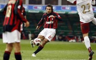 20070114 - MILANO - SPR - CALCIO: MILAN- REGGINA. Il centrocampista del Milan Andrea Pirlo segna su punizione il goi dell' 1 a 0 rossonero. DANIEL DAL ZENNARO/ANSA