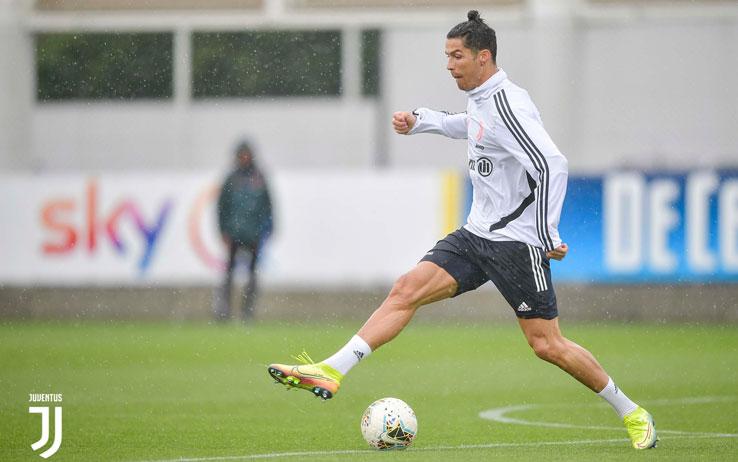 Juventus, verso la ripresa con le nuove maglie da allenamento ...