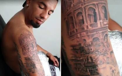 Bruno Peres: nuovo tatuaggio con il Colosseo. FOTO