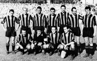 1950-51 LA SQUADRA DELL'INTER, IN PIEDI DA SX: LORENZI, ROSSETTI, BLASON, FATTORI, WILKES, GIOVANNINI, NYERS, ACCOVACCIATI DA SX: MIGLIOLI, FRANZOSI, ACHILLI, PADULAZZI, FORMAZIONE, CALCIO, ITALIA, ANNI 50, B/N, 03-00025497