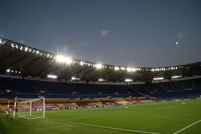 Roma-Verona LIVE: c'è Kolarov nella difesa a 3